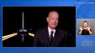 Ihm war augenscheinlich kalt: Tom Hanks bei der Inaugurationsshow.