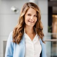 Aufgewachsen in Bonn, Abitur in Dublin, Studium Politik und Jura, von 2005 an als Volontärin bis 2016 als Chefredakteurin bei Springer, führt Tanit Koch heute bei RTL die Redaktionen an.