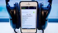 Medien, die nicht mobil zu haben sind, landen bei Lesern, Hörern und Zuschauern von einer bestimmten Altersgruppe an im Abseits. Steht der digitale Hörfunk dem entgegen?