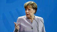 Angela Merkel soll sagen, mit wem sie sich trifft