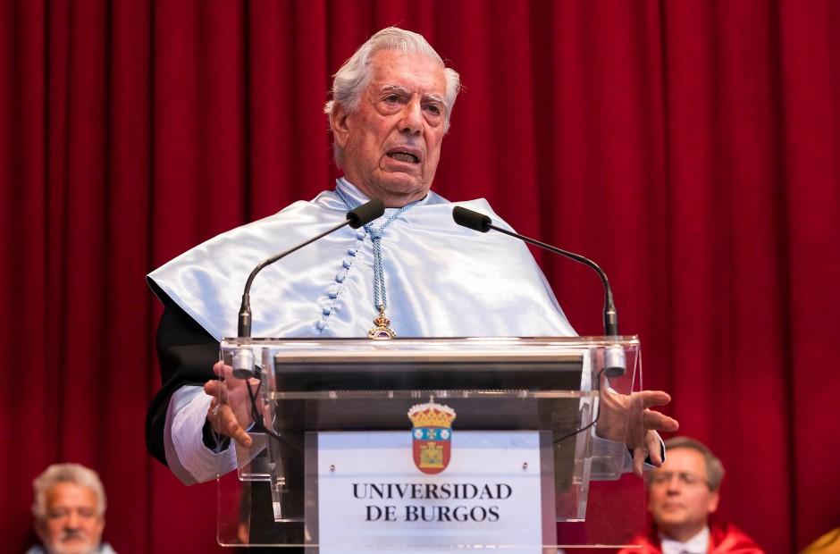 Der Dichter an der Hochschule: Maria Vargas Llosa vor ein paar Tagen bei der Verleihung der Ehrendoktorwürde der Universität von Burgos