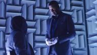 """Er meint es nicht gut: Dennis Haysbert spielt Julian, den Sicherheitschef der Firma """"Signa"""". Über seine Methoden muss man sich keine Illusionen machen."""