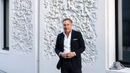 Mann mit Haltung: Nico Hofmann bei der Vorstellung seines Buchs in Berlin.