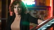 Zwischen den Stühlen: Der Zwiespalt zwischen dem FBI und Wozniak macht Harlee Santos (Jennifer Lopez) schwer zu schaffen.