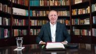 Das Lächeln wird ihm vergehen: Jungen Leuten wollte der türkische Staatspräsident auf Youtube etwas sagen. Als sie antworteten, machte er den Laden dicht.