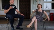 Heimatbesuch: Andy (Charly Hübner) hat sich bei Berit (Karoline Schuch) zum Tee angesagt.