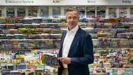 Torsten Löffler in der Buchhandlung Ludwig am Bahnhof Friedrichstraße in Berlin. Die Buchhandlung zählt zur Gruppe Dr. Eckert, deren Geschäftsführer er ist.