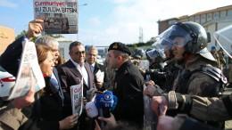 Erdogans Kritiker müssen in Haft