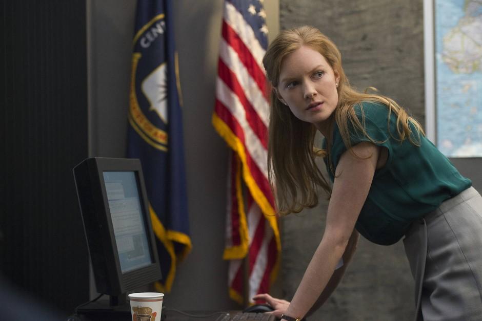 Auf der anderen Seite: Wrenn Schmidt spielt die CIA-Agentin Diane Marsh.