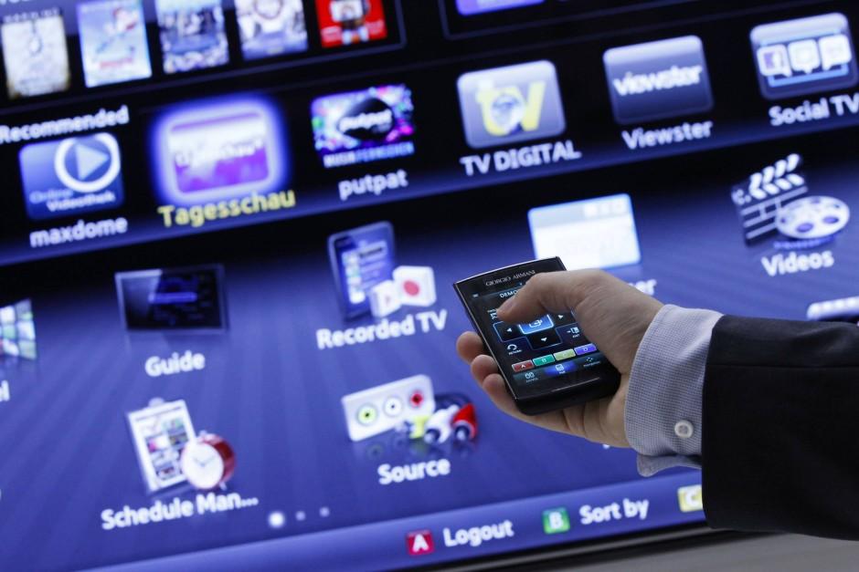 Datenschutz oder Zusatzdienste? Solange der Smart-TV mit dem Internet verbunden ist, ist kein anonymes Fernsehen möglich.