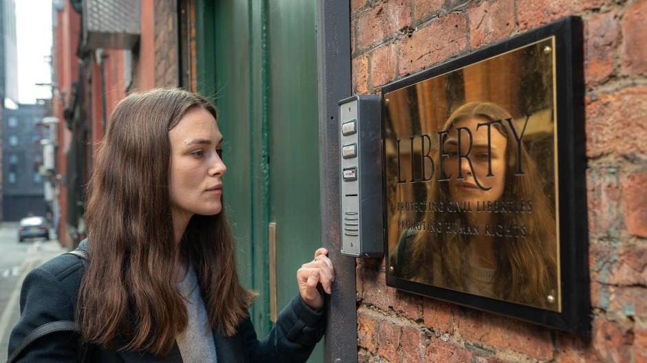 Die Geschichte des Leaks und der anschließenden Strafverfolgung Katharine Guns ist feinstes Kinomaterial.