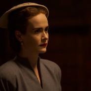 Kühl bis ans Herz: Sarah Paulson spielt die berüchtigte Schwester Ratched.