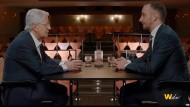 """Was sie noch zu sagen hatten: Frank Elstner und Jan Böhmermann machen in """"Wetten, das war`s ..?"""" großes Fernsehen."""