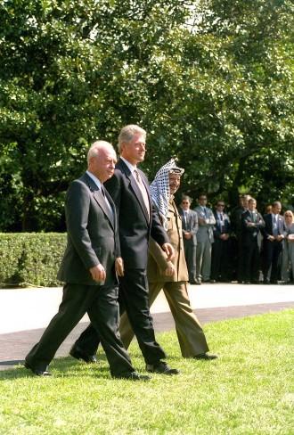 Großer Schritt für den Frieden im Nahen Osten: Rabin, Clinton und Arafat, 1995.