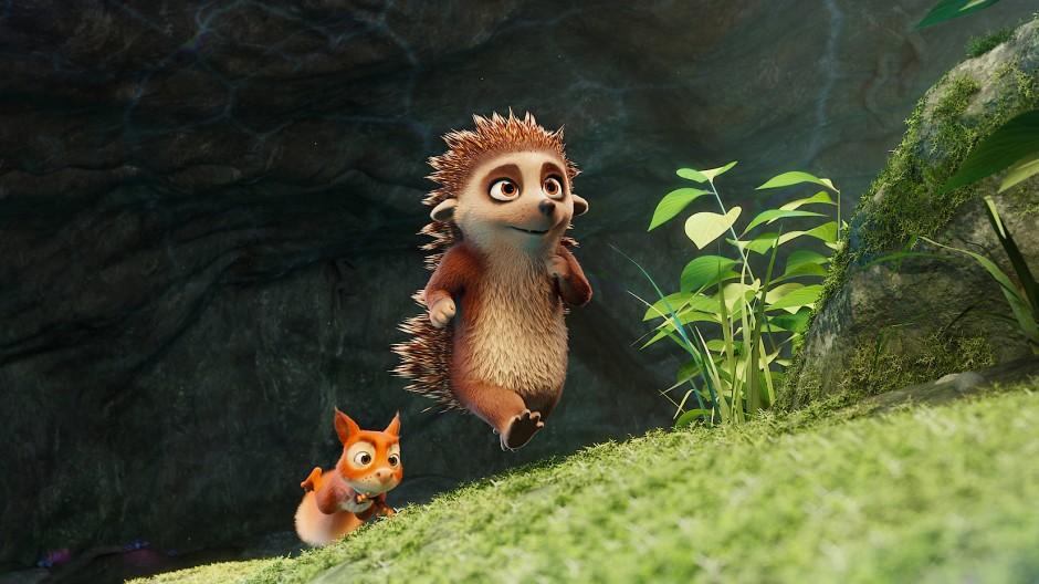 Volle Kraft voraus: Das Eichhörnchen Tjum folgt dem Igel Latte auf Schritt und Tritt.
