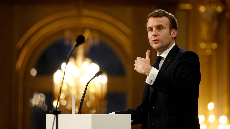 Emmanuel Macron beim Neujahrsempfang für die Presse.
