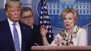 Sie trauen den Briefings des Präsidenten nicht