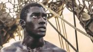 """Versklavt und entwurzelt: Malachi Kirby als Kunta Kinte in der Neuverfilmung von """"Roots"""""""