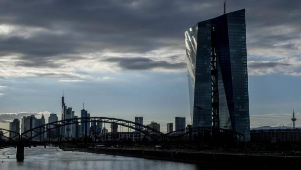 Einlagen der Banken steigen wie noch nie