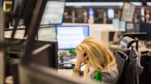Viele Anleger verkaufen gerade dann, wenn die Kurse nahe dem Tiefpunkt sind.