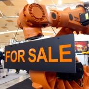 Das milliardenschwere Kaufangebot  für den Roboterbauer Kuka stößt auf Skepsis.