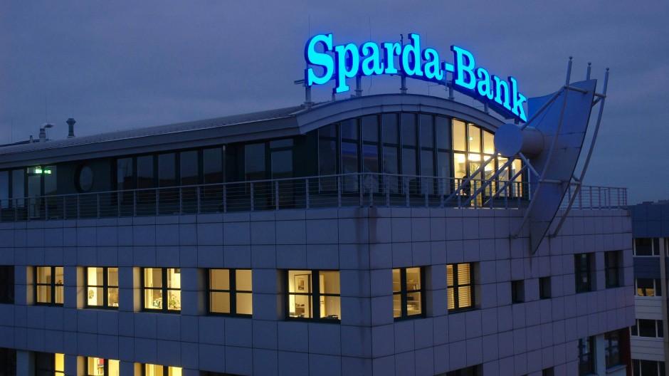 Die Sparda-Bank Berlin verschärft ihre Regelung zu Negativzinsen: Bankgebäude im Stadtteil Prenzlauer Berg.