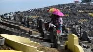 Weltweit begehen heute Chinesen den Qingming-Feiertag und gedenken der Verstorbenen.