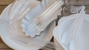 Auch Aldi will kein Plastikgeschirr mehr verkaufen