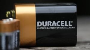 Blockbatterien können Stahlwolle entzünden