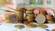 Die Deutschen verlieren durch negative Realzinsen im Jahr mehr als 500 Euro.