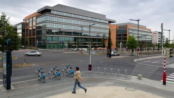 Kirchberg-Plateau Luxemburg - auf dem Kirchberg-Plateau im Nordosten der Stadt Luxemburg haben sich zahlreiche Firmen, Banken und Behörden niedergelassen.