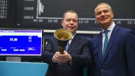 Zum Börsengang von Innogy herrschte Optmismus bei RWE-Chef Peter Terium (links). Heute musste die RWE-Tochter eine mäßige Bilanz ziehen.