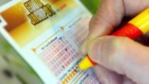 Beim Lottospielen verliert man seinen Einsatz ziemlich sicher, auch wenn er gering ist.