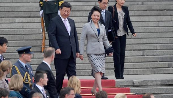 Charmeoffensive und Konkurrenz unter den First Ladys