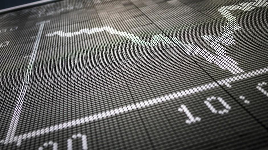 Aufgebläht: Dax-Kurve auf der Anzeigetafel im Handelssaal der Frankfurter Börse
