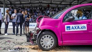 Axa kündigt Verträge zur Unfall-Kombirente