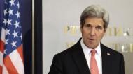 Frankreichs Präsident empfängt Amerikas Außenminister Kerry