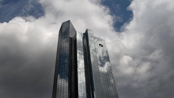 Deutsche Bank verspricht Anleihe-Investoren ihr Geld