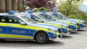 """Südwest-Polizei setzt auf """"gellenden Schrei"""" und Neongelb"""