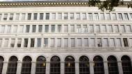 Schweizer Notenbank führt Negativzinsen ein