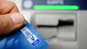 Mehrheit der Deutschen würde Nicht-Banken Zugriff erlauben