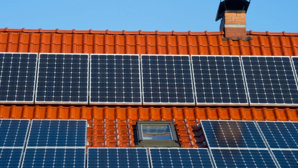 rendite mit solarstrom die solaranlage auf dem hausdach lohnt sich immer noch nachrichten faz. Black Bedroom Furniture Sets. Home Design Ideas