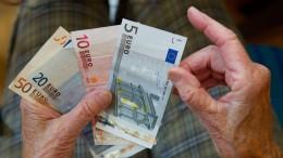Vierte Bank verlangt Negativzinsen vom ersten Euro an