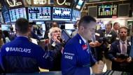 Wer an der Börse direkt investiert, ist im Vergleich zu Fonds-Engagements mit weniger Gebühren konfrontiert.