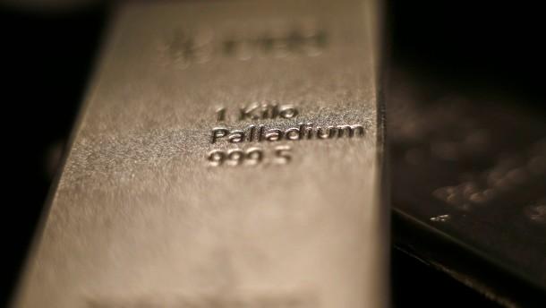 Palladium glänzt heller als Gold
