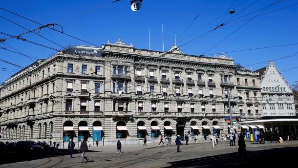Durchsuchungen bei Credit Suisse