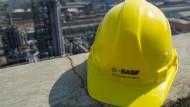 BASF profitiert vom Zinstief, andere haben das Nachsehen