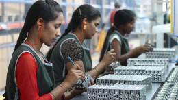 "Indische Regierung warnt vor ""Panik"""