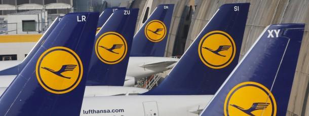 Passagiere der Lufthansa müssen am Dienstag in Frankfurt um ihre Langstrecken-Flüge bangen.