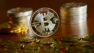 Der Wert der Bitcoins schwankt stark.